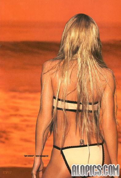 Jaime Pressly in a bikini - ass
