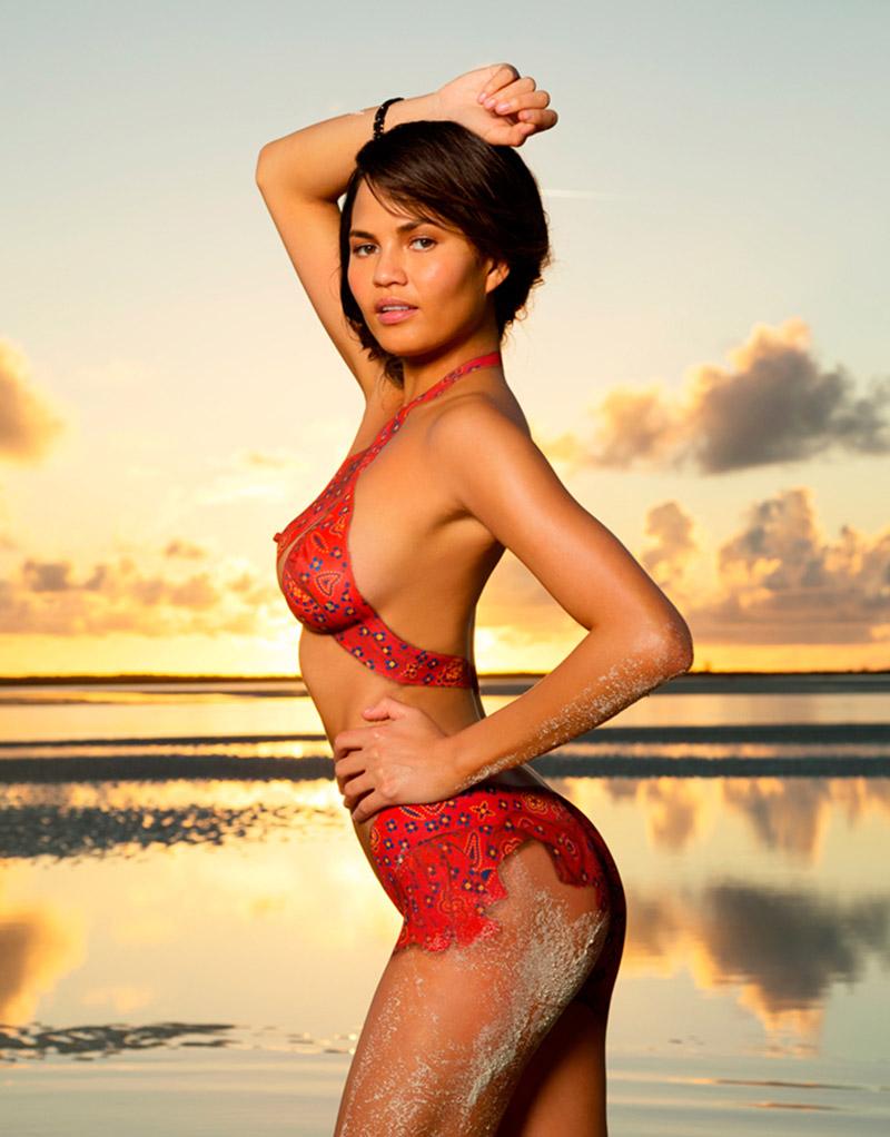 Chrissy Teigen in body paint - breasts