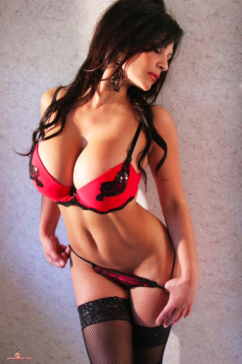 Babe Nikita Denise showing off her sexy body in lingerie  № 511580  скачать