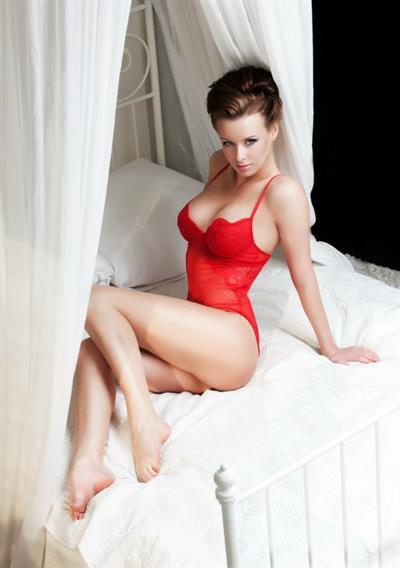 Olga Trofi in lingerie