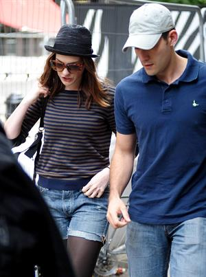 Anne Hathaway spends a day in Covent Garden London