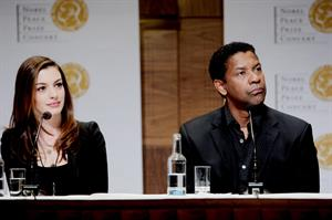 Anne Hathaway Norwegian Nobel Prize Committees banquet conference on December 11, 2010