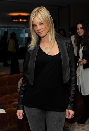 Amy Smart the Trouser Happy Hour presented by 7 for All Mankind on September 22, 2010