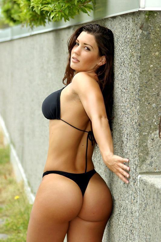 Napi Suna in a bikini - ass