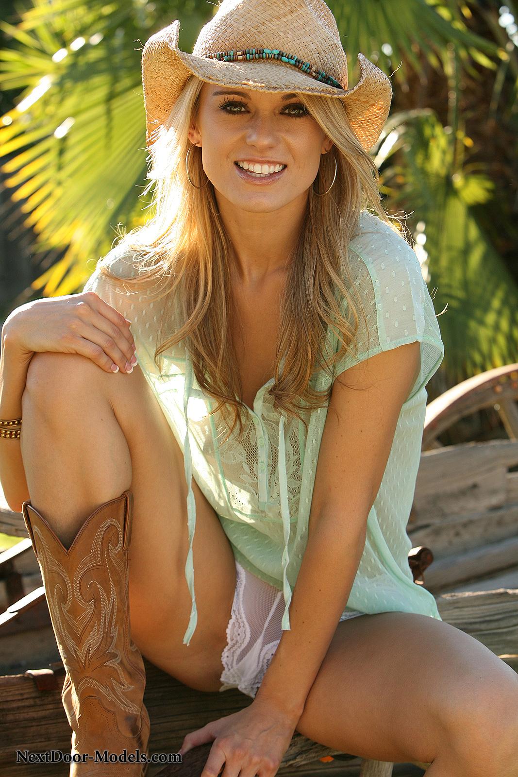 Nicole Jaimes in lingerie