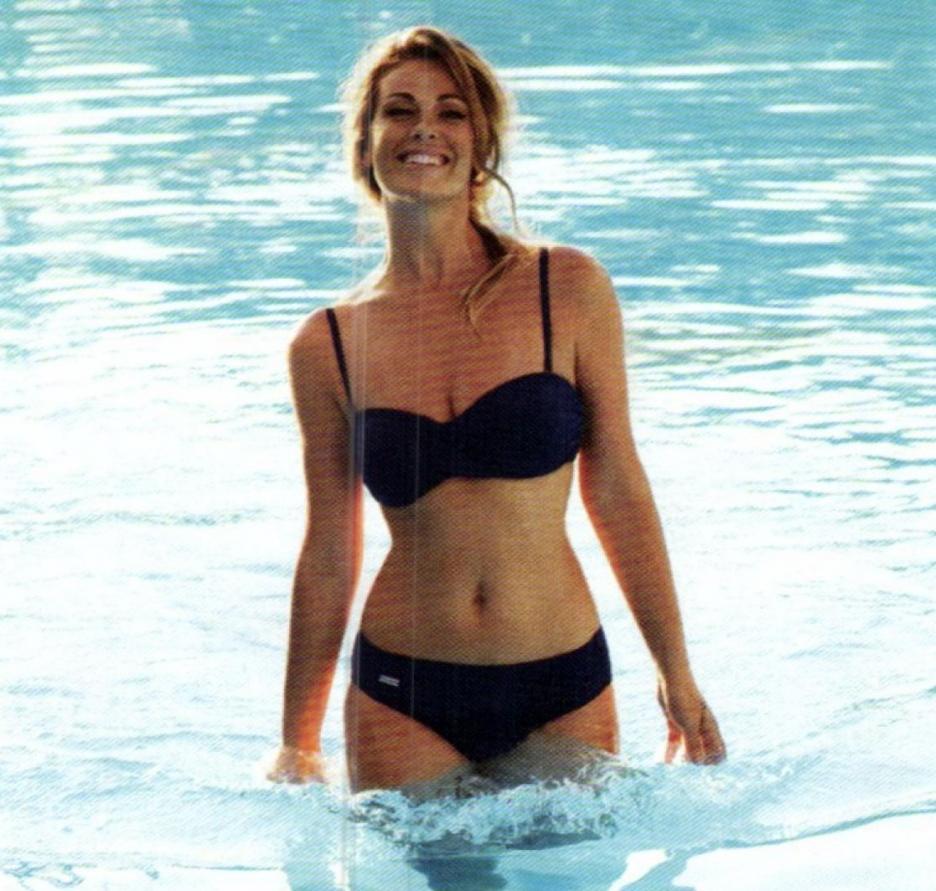 Vanessa Incontrada in a bikini