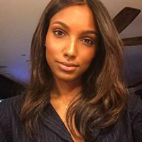 Jasmine Tookes taking a selfie