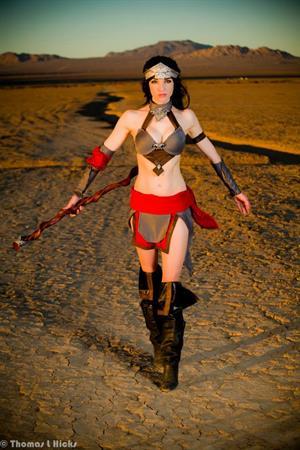 Lyz Brickley - Diablo 3 Wizard Cosplay