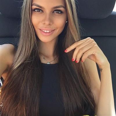 Viktoria Odintsova taking a selfie