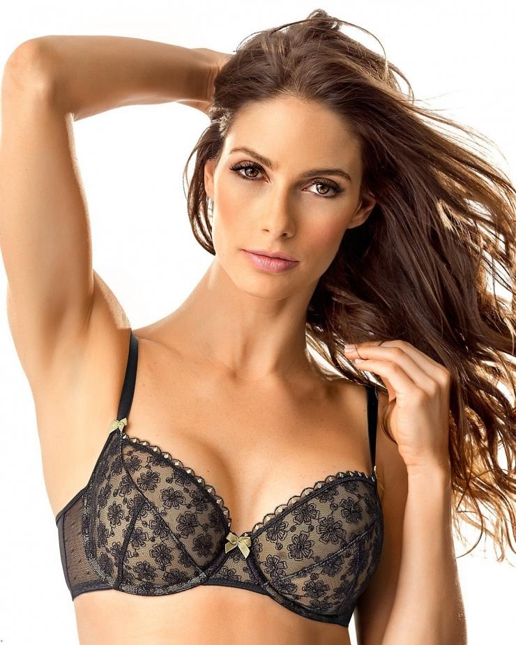 Juliana Saldarriaga in lingerie