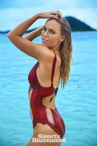 Sports Illustrated Swimsuit 2016 - Caroline Wosniacki body paint