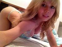 Jennette McCurdy in lingerie