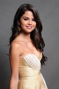 Selena Gomez Teen Choice Awards 2011 studio portraits