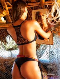 Bregje Heinen in a bikini - ass