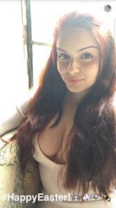 Ariel Winter taking a selfie