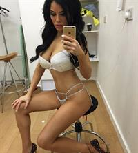 Carla Howe in lingerie taking a selfie