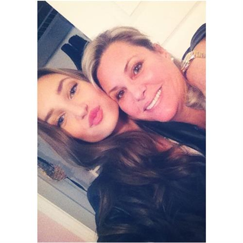 Ariane Fournier taking a selfie