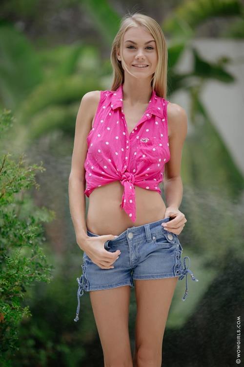 boob-nude-nancy-wild-usn-girls