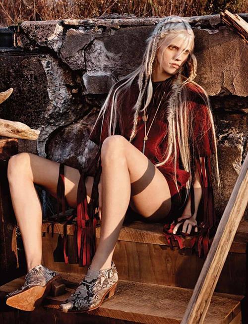 Devon Windsor in lingerie