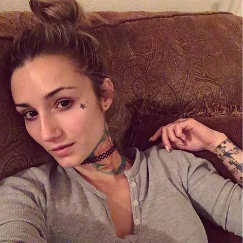 Brin Amberlee taking a selfie
