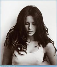 Kate Beckinsale - breasts