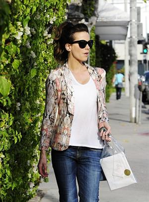 Kate Beckinsale out shopping on Melrose Ave in West Hollywood, January 22, 2013