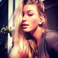 Hailey Baldwin taking a selfie