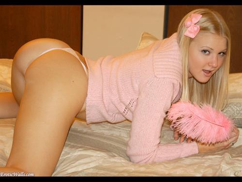 Tiffany Teen in lingerie - ass