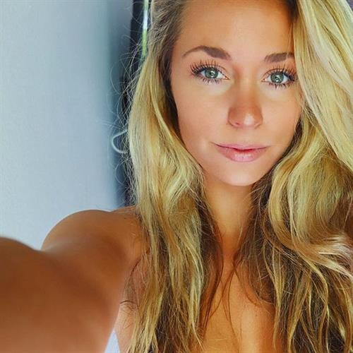 Sydney A Maler taking a selfie