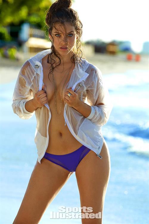 Barbara Palvin - Sports Illustrated Swimsuit 2016