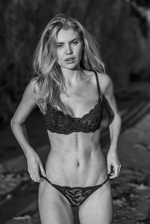 Kayslee Don Collins in lingerie