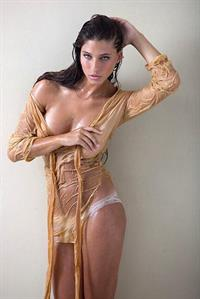 Moran Nimni in lingerie