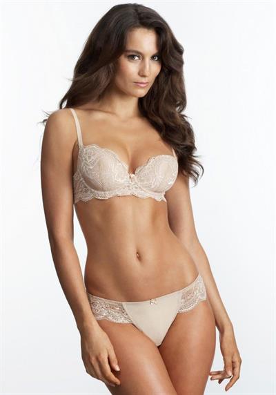 Lizzy Barter in lingerie