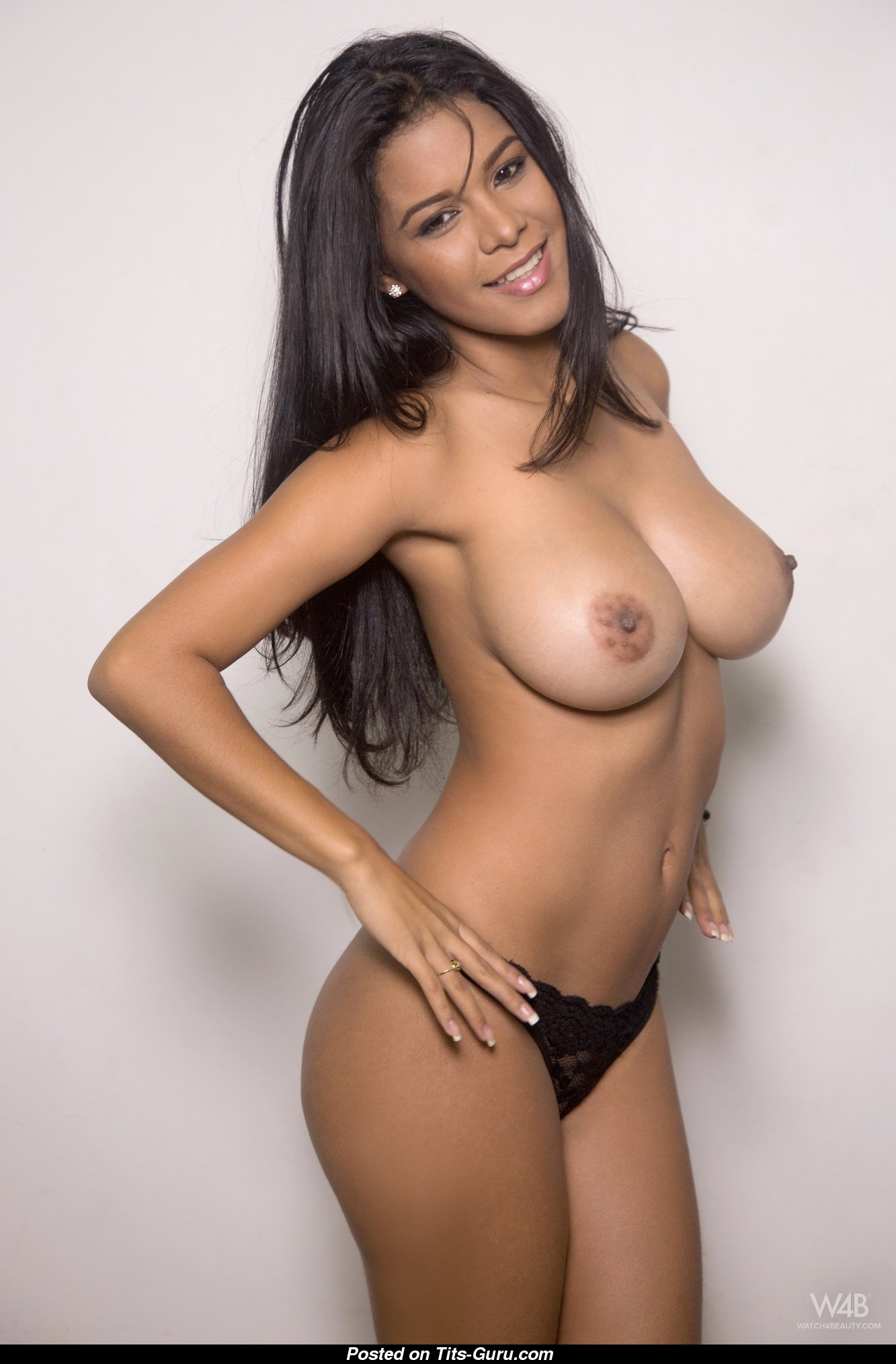 image Katerina big bouncing natural tits