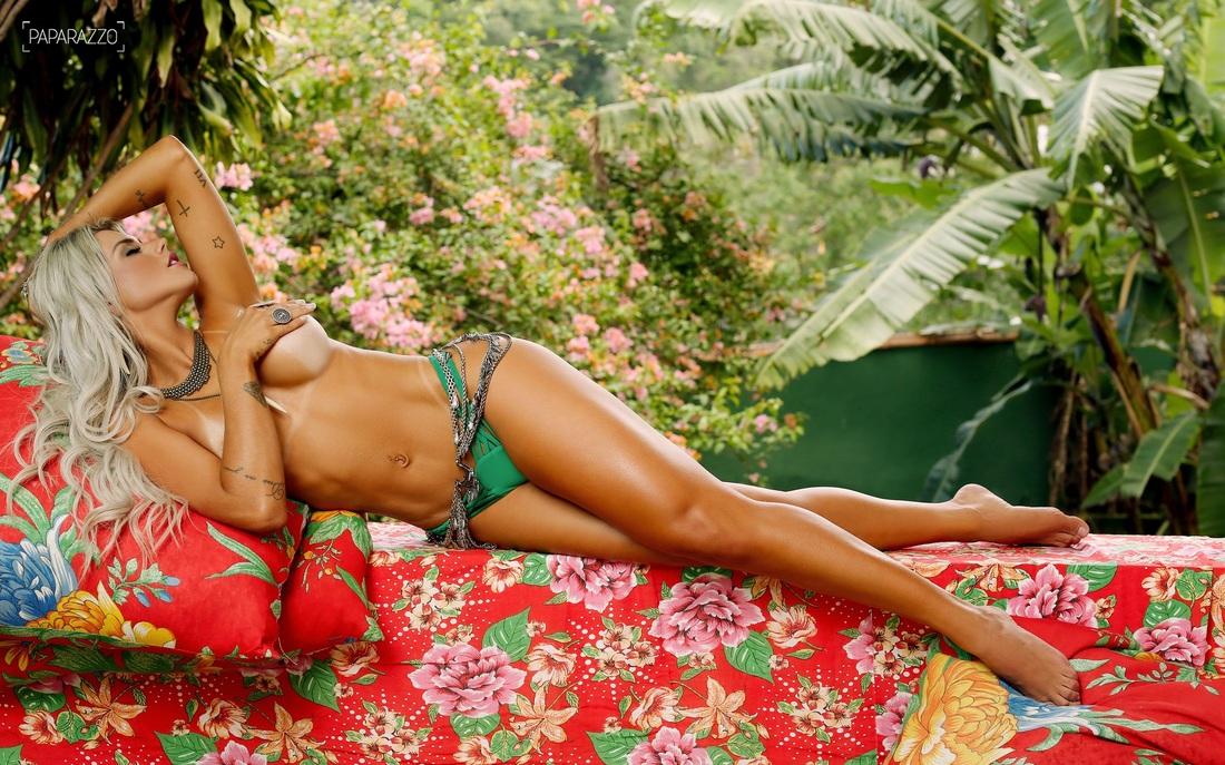 Janaína Santucci in a bikini