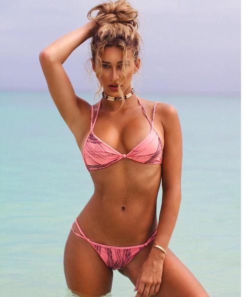 Cindy In Pink Bikini
