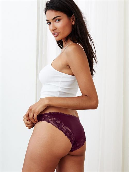 Kelly Gale in lingerie - ass