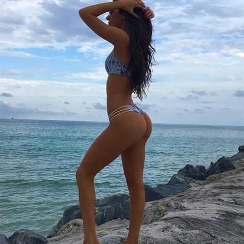 Jen Selter in a bikini - ass