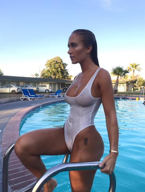Niykee Heaton wet see through