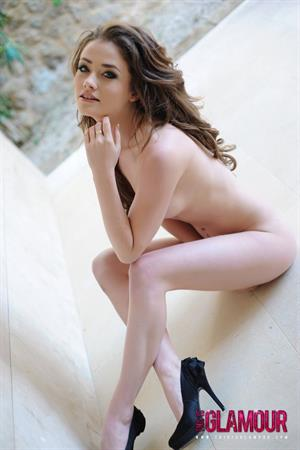 Jess Impiazzi In Cute Pink Lingerie Getting Naked