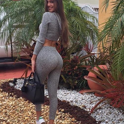 Betsy Alvarez - ass