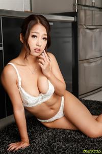 Satomi Suzuki in lingerie