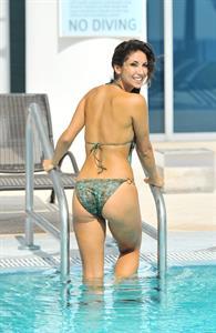 Leilani Dowding in a bikini - ass
