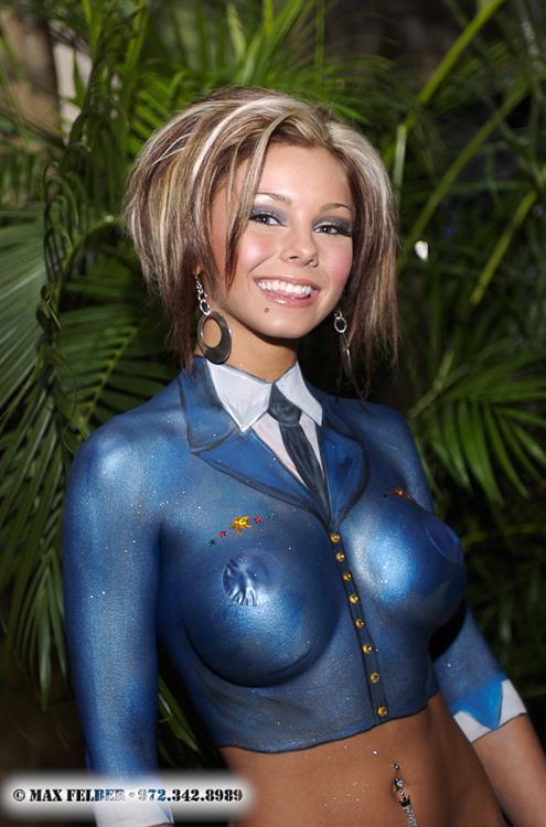 Corrie Loftin in body paint