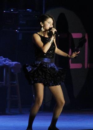 Selena Gomez performance in Pomona, September 18, 2010