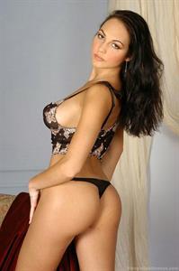 Jennifer Max in lingerie - ass
