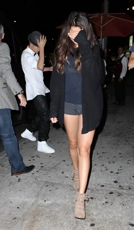 Selena Gomez  - Leaving the Laugh Factory - Hollywood - August 09, 2012