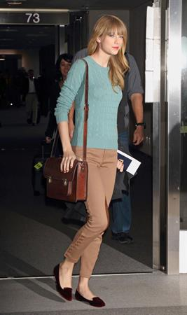 Taylor Swift at Narita International Airport in Tokyo November 21, 2012