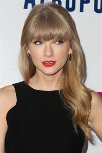 Taylor Swift Z100's Jingle Ball presented by Aeropostale 12/7/12