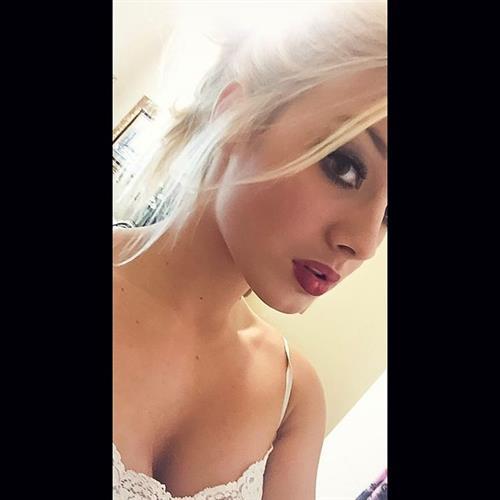 Mariah Alexis Vest taking a selfie